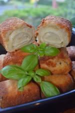 Krokiety w waflu z farszem z ziemniaków z cebulką.