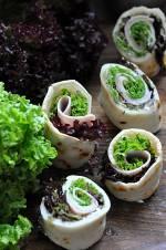 Naleśniki z szynką i sałatą