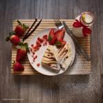 Naleśniki-zeberki, z serem i z truskawkami