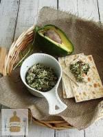 Pasta z avocado i sałaty