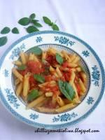 Pochwała pomidora czyli makaron z prostym sosem pomidorowym
