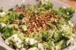 Sałatka brokułowa w sposób klasyczny