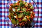 Surówka z ogórków kiszonych, marchewki i cebuli