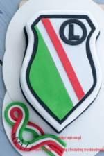 Tort Legia Warszawa – Tort z białą czekoladą i frużeliną truskawkową – Instrukcja Krok po kroku