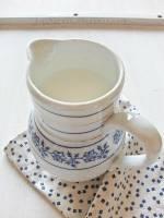TU I TAM nr 21. Zupa na stole! Bulion z kamyków i przykucanka Karolki. Z kwaśnego mleka.