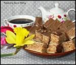 Wafle przekładane z czekoladową polewą