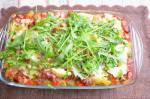 Zapiekanka makaronowa z kiełbasą i warzywami