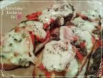 Zapiekanka z pieczarkami, papryką i serem mozzarella