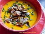 Zupa ziemniaczana z dynią i pieczarkami-wegeteriańska