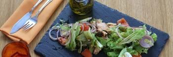 Sałatka z kurczakiem - 15 najlepszych przepisów
