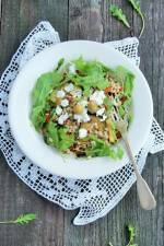 Sałatka z pęczaku z grillowanymi warzywami, serem feta i rukolą