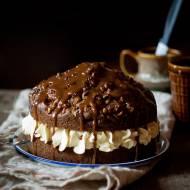 Schweizer Rüblitorte – Tort marchewkowy z orzechami