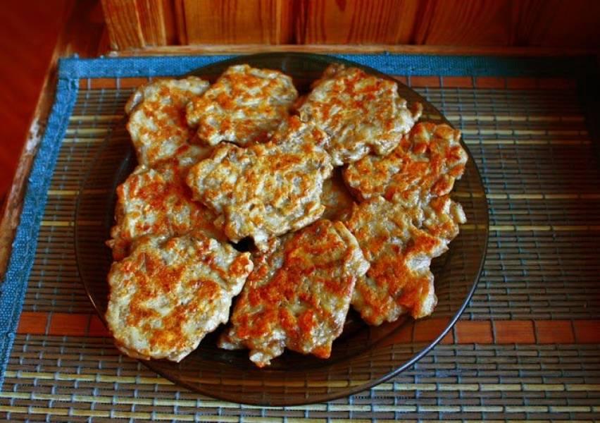 Placki z pieczarkami (porcja - 390 kcal)
