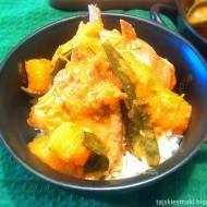 Czerwone Curry z dynią i żeberkami