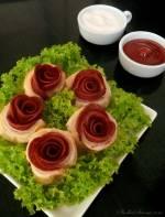 Róże z Ciasta Francuskiego i Salami
