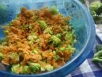 Zdrowa i bardzo smaczna surówka która idealnie nadaje się do dań mięsnych lub ryb a nawet do pochrupania na kolację.Próbowała je