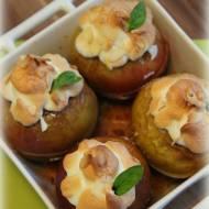 Jabłka z bezą i migdałami