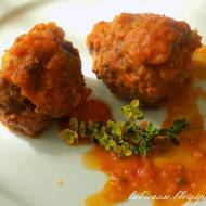Kuleczki z sosem pomidorowym