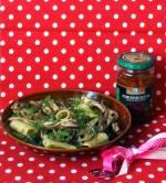 Makaron z zieloną fasolką i suszonymi pomidorami