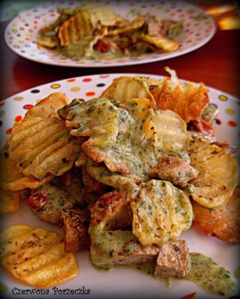 Zapiekanka ziemniaczana z polędwiczką w sosie szpinakowym