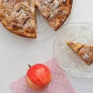 Biszkopt z jabłkami - szybkie ciasto na weekend