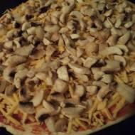 Pizza z piczarkami