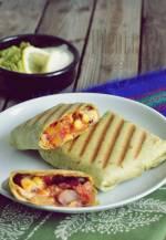 Burrito z chorizo i mango