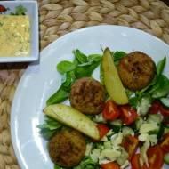 Falafel z cieciorki, grochu i soczewicy