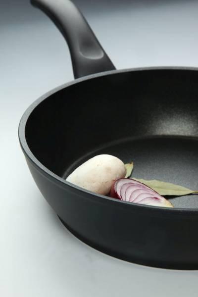 Patelnia Ballarini – recenzja i przepis na steka z jesiennymi warzywami