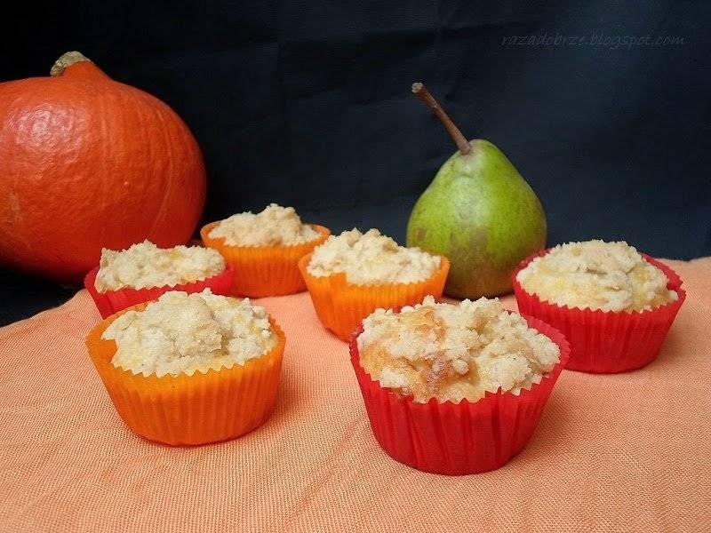 Wspólne pieczenie i muffiny z gruszkami