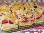Eksperymentalne ciasto drożdżowe z truskawkami