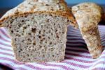 Chleb razowy ze słonecznikiem na zakwasie