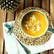 zupa krem z dyni z dodatkiem mleczka kokosowego