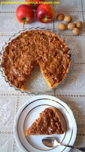 Tarta z jabłkami i orzechami w karmelu