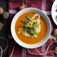 Dyniowa zupa krem z posypką z karmelizowanych orzechów