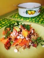 Sałatka z papają, kurkami i kuskusem, czyli drugie śniadanie do pracy