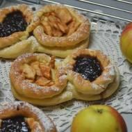 Drożdżówki z jabłkami Sądeckimi