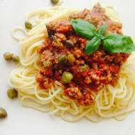Spaghetti z kaparami