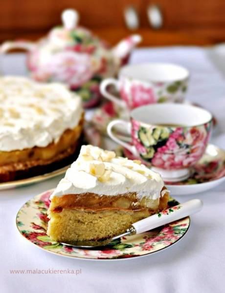Przepis Na Ciasto Z Jablkami Beza Migdalowa I Bita Smietana Mala