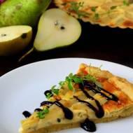 Wytrawna tarta z gruszką i gorgonzolą