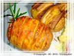 Pieczone ziemniaki Hasselback.