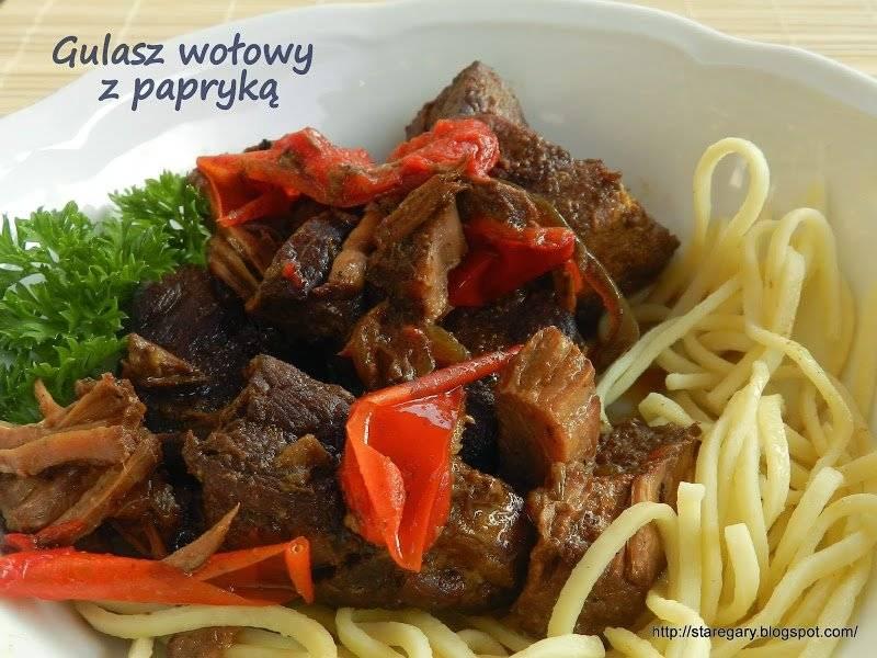 Gulasz wołowy z papryką z wolnowaru