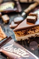 Sernik na zimno z czekoladą i wafelkami