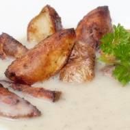 Zupa czosnkowa z pieczonymi ziemniakami