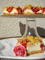 Kruche ciasto z masą budyniową i truskawkami