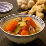 Azjatycki bulion drobiowy - baza do potraw azjatyckich