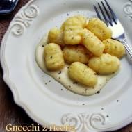 Gnocchi z ricottą w sosie serowym