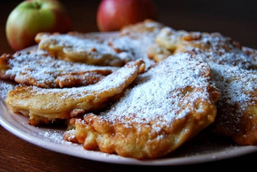 Delikatne placki z jabłkami