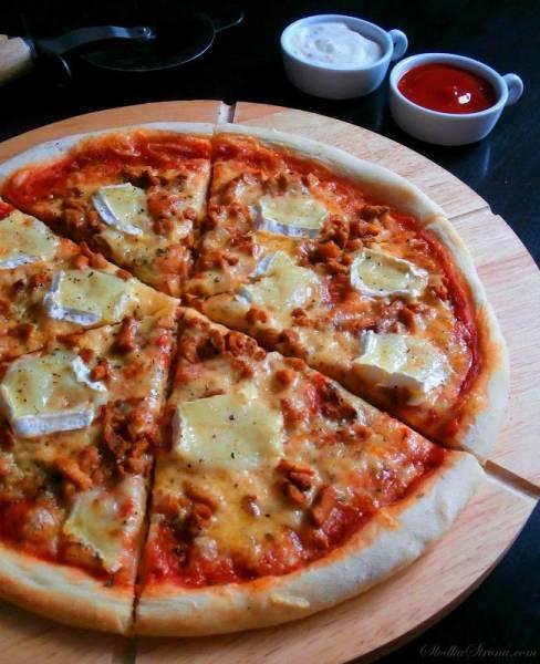 Domowa Pizza z Kurkami i Serem Brie