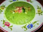 Zupa brokułowa z łososiem i migdałami